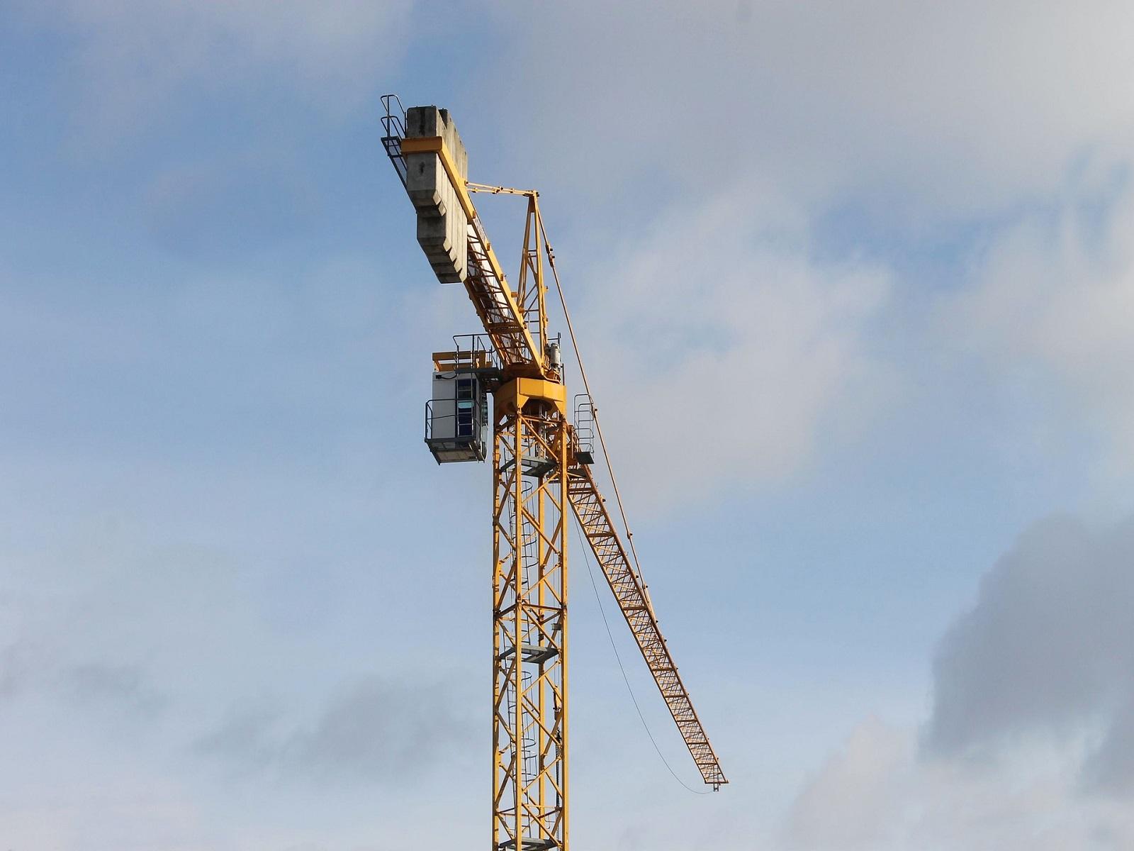 Il posizionamento della gru a torre | Cavalca Autogru